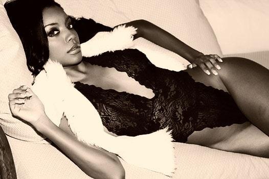 black-and-white-lingerie-model-photo