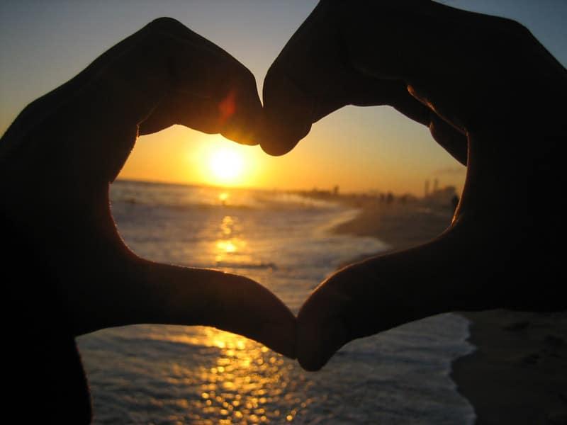Love__Beach__Sunset__by_danicafaye-721652