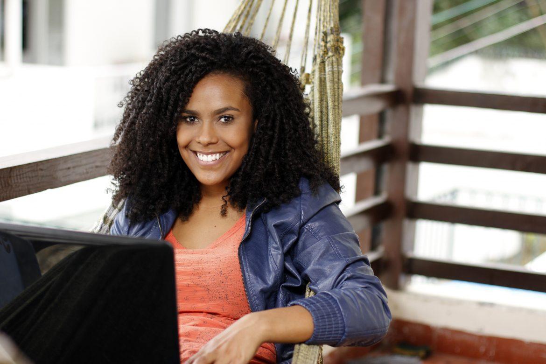 black-woman-on-laptop