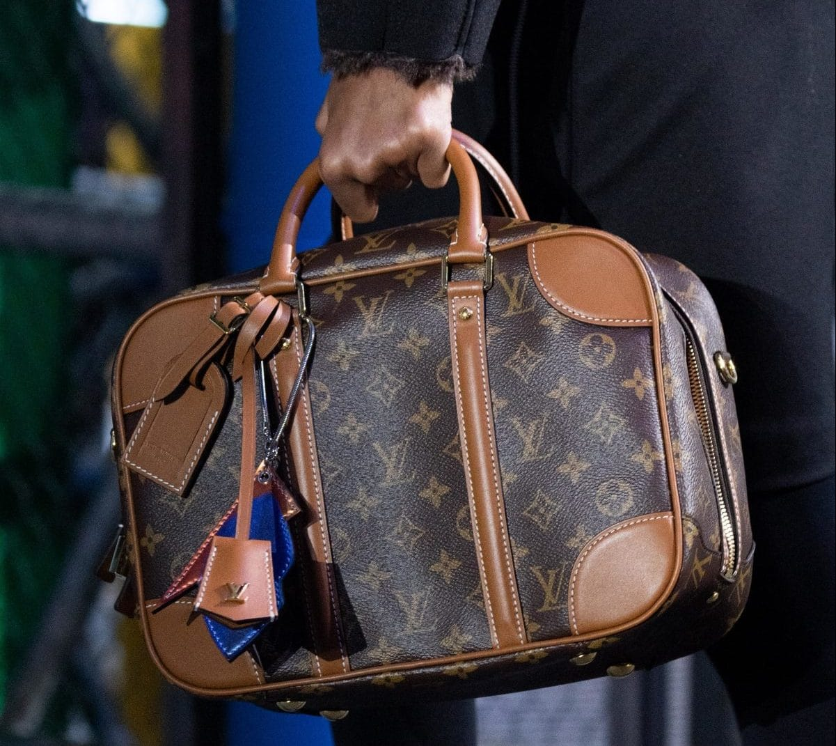 Louis-Vuitton-Monogram-Canvas-Luggage-Bag-Fall-2019