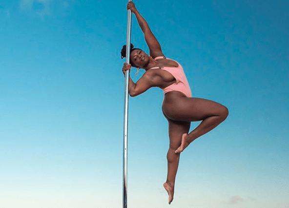 dalijah-franklin-black-girls-pole