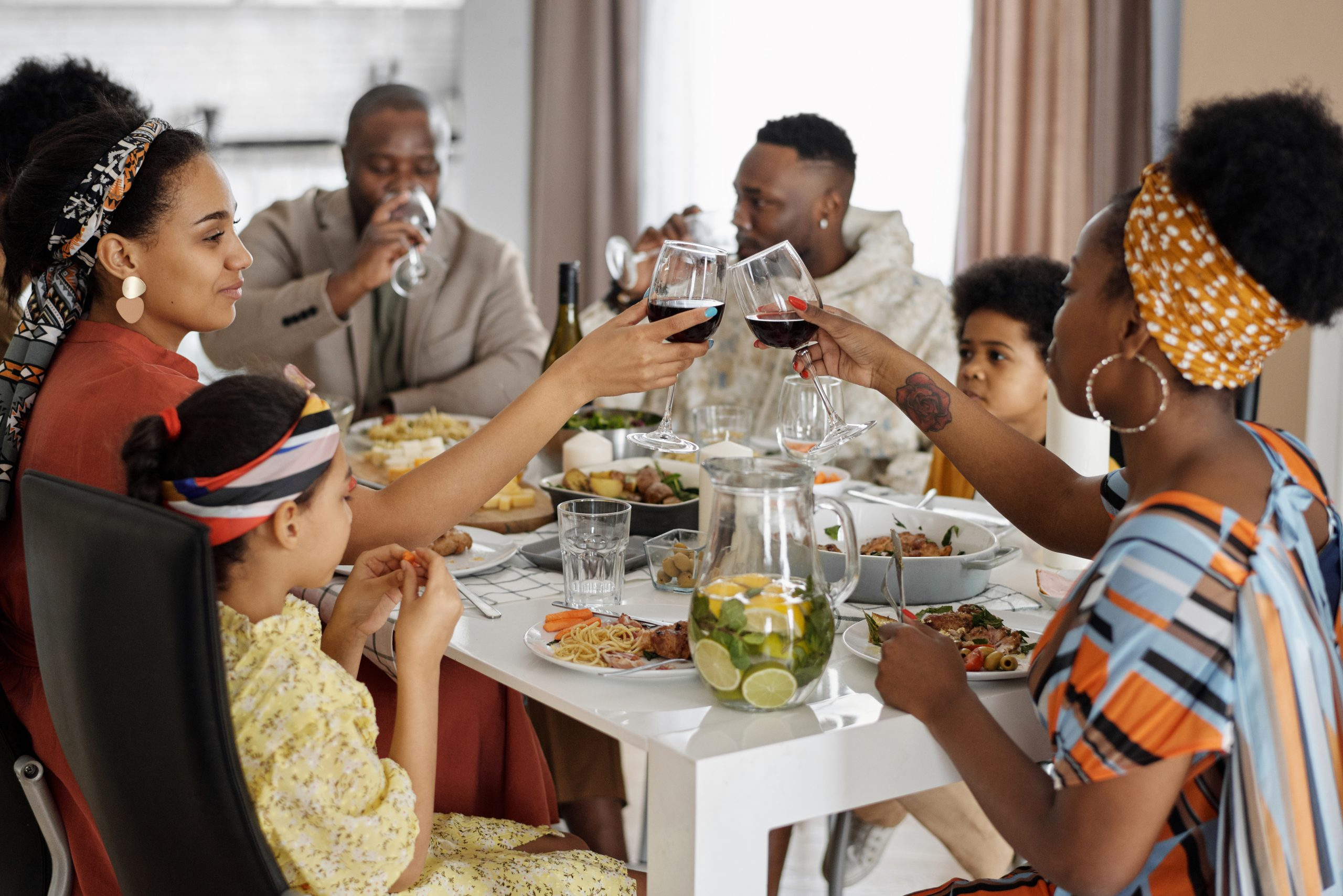 african-american-family-eating-together