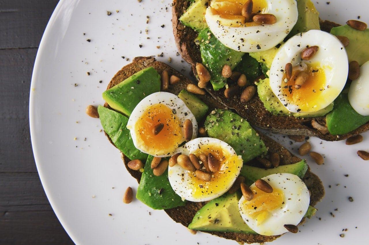 appetizer-avocado-bread-breakfast-healthy-food