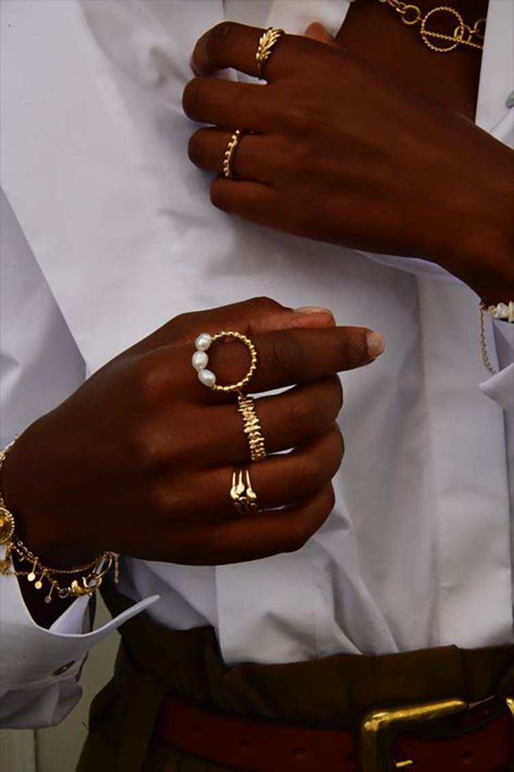 black-woman-jewelry