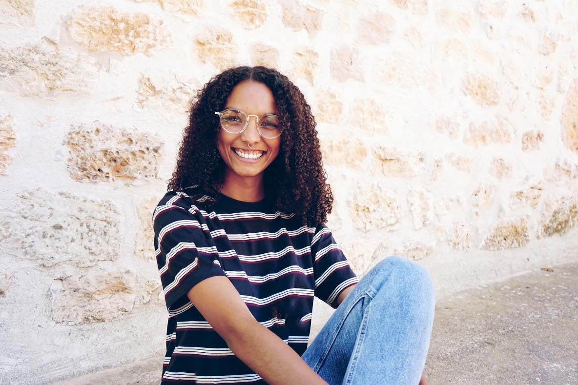 black-woman-wearing-glasses