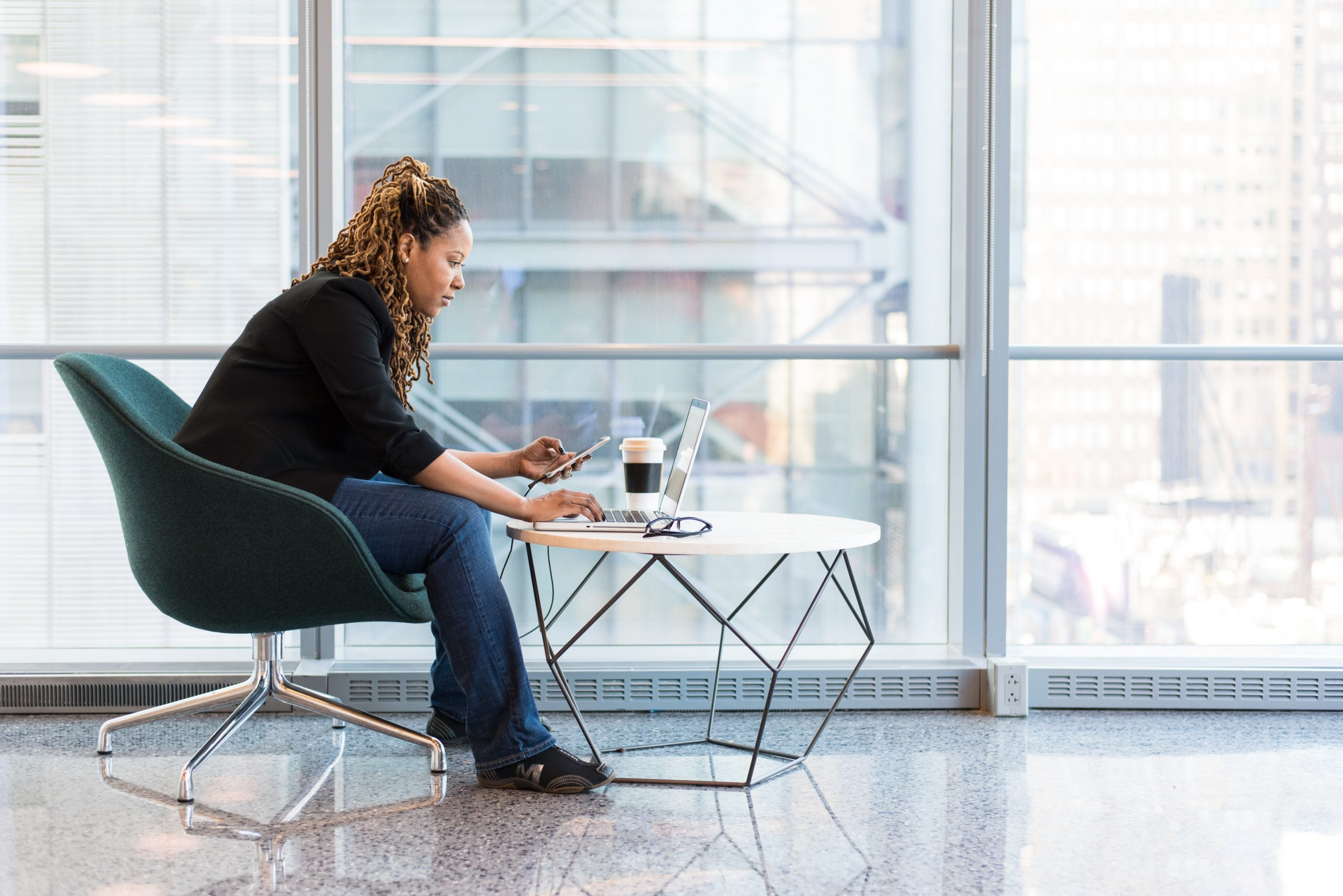 black-woman-corporate-office-working