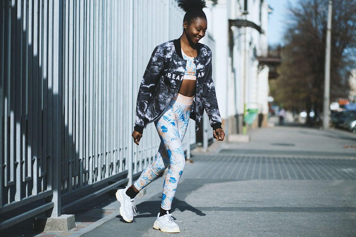 black-women-wearing-leggings
