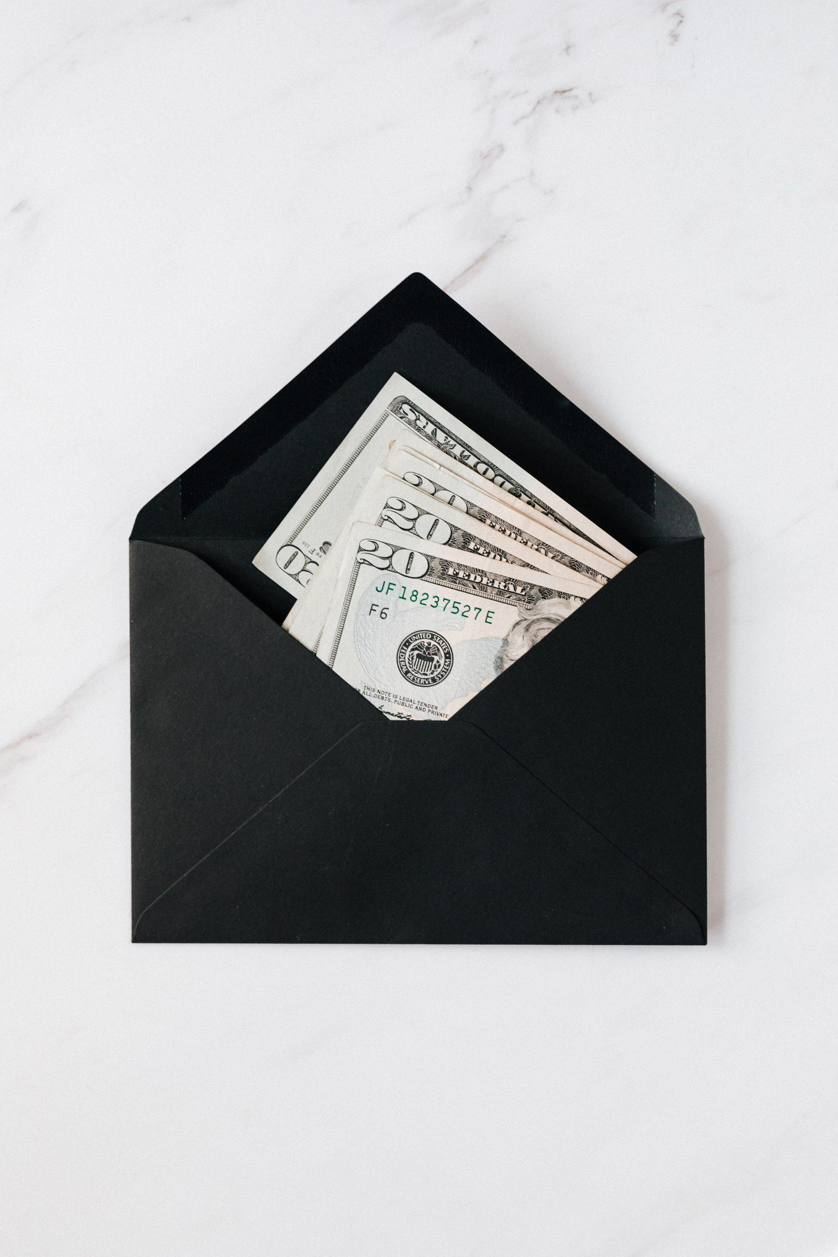 money-savings-envelope