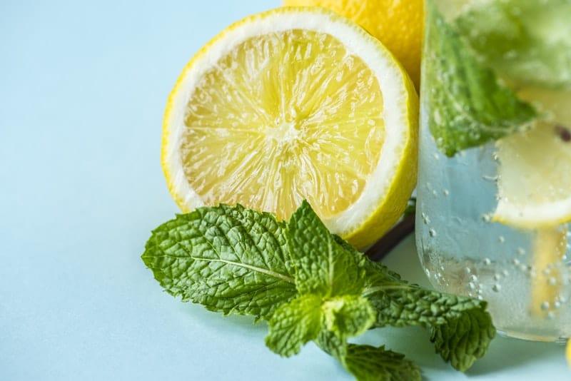 lemons lemon water