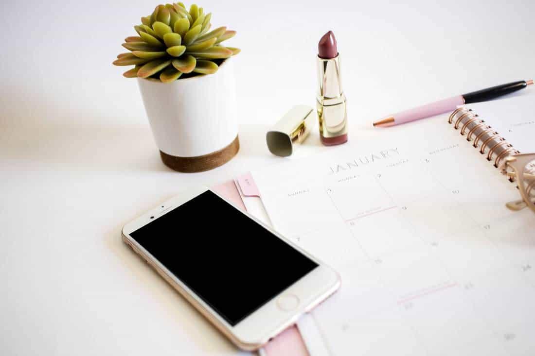 planner-on-desk