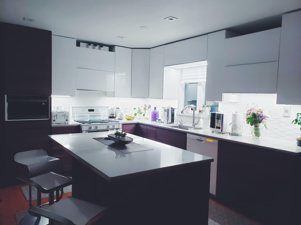 rectangular-white-island-table-in-kitchen-2398375